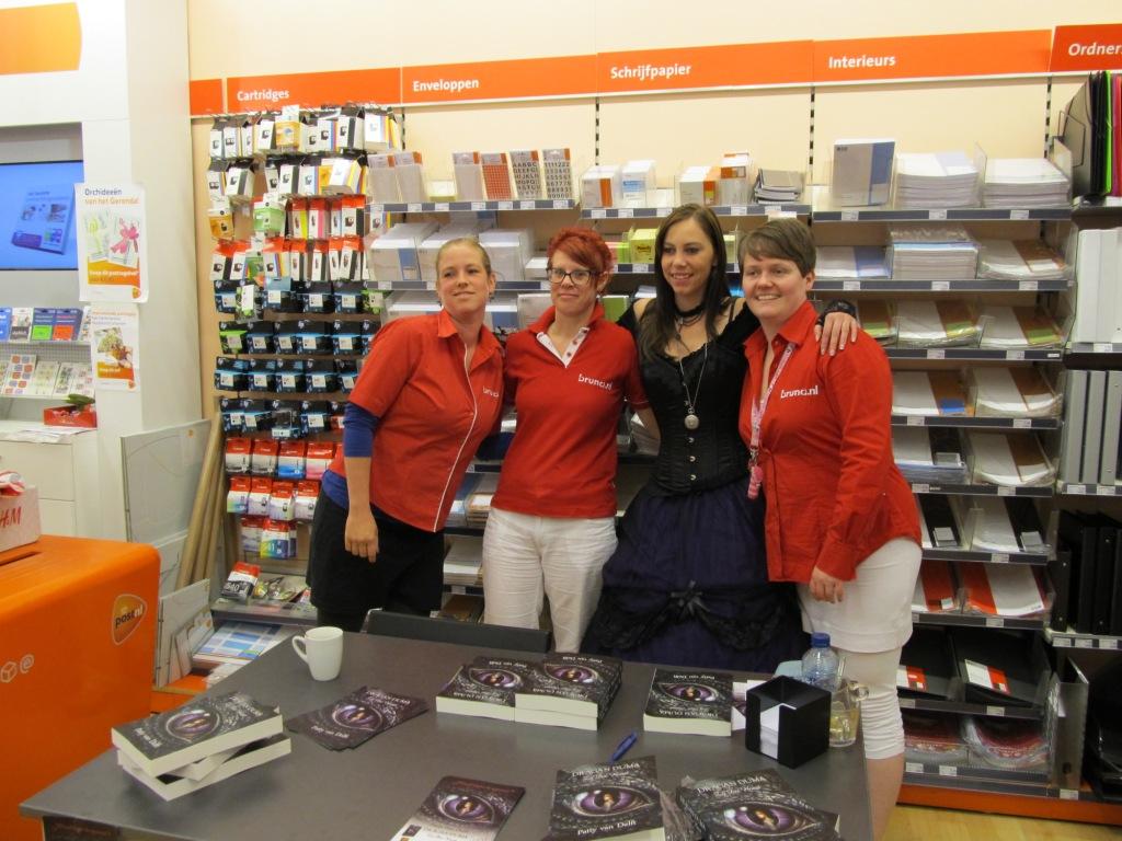 Patty van Delft met het Bruna Rijswijk team (in de Bogaard)
