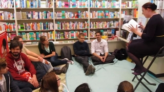 Evi leest voor - Openboekdagen - Standaard Boekhandel Ekeren