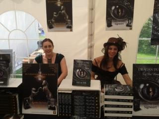 Evi F. Verhasselt en Patty van Delft - Castlefest