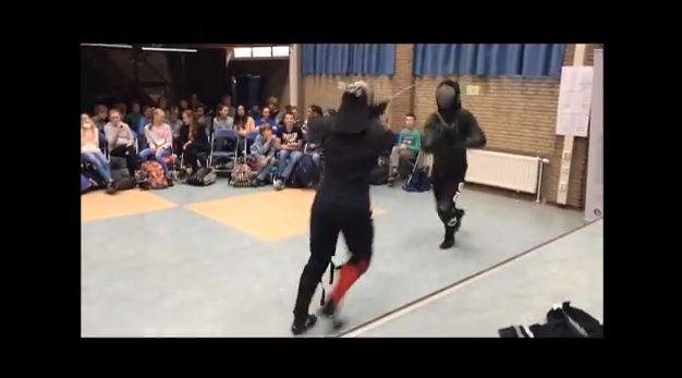 Demo zwaardvechten