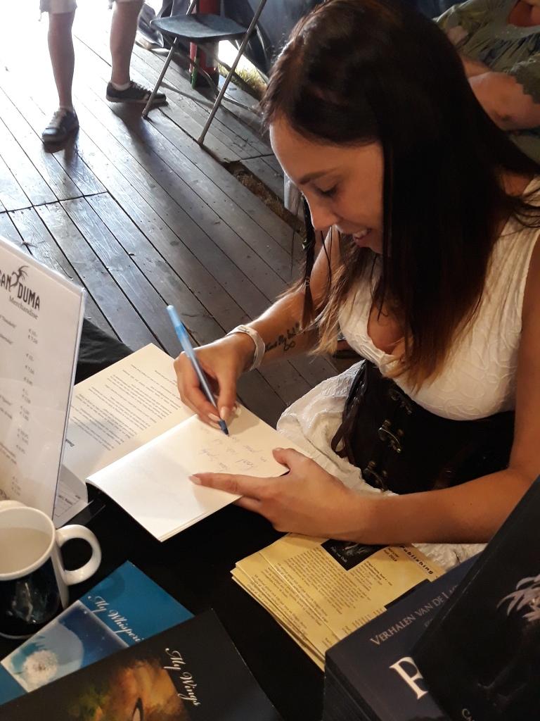 Castlefest - Patty signeert